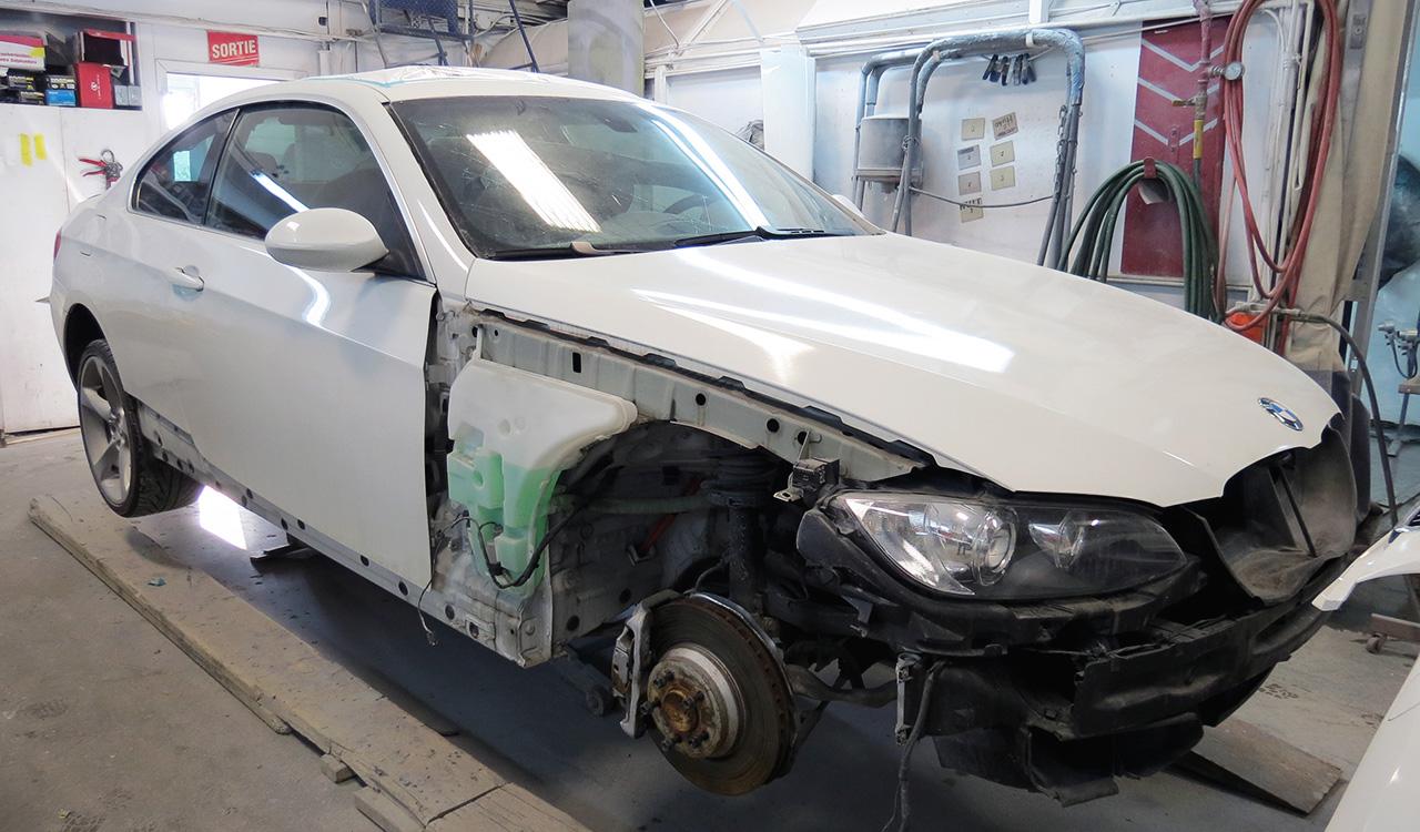 BMW sans aile ni pare-choc | Carrosserie Hugo St-Jean